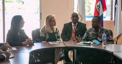 La sous-secrétaire d'État adjointe, Cynthia Kierscht, a rencontré le Directeur Général de la Police Nationale